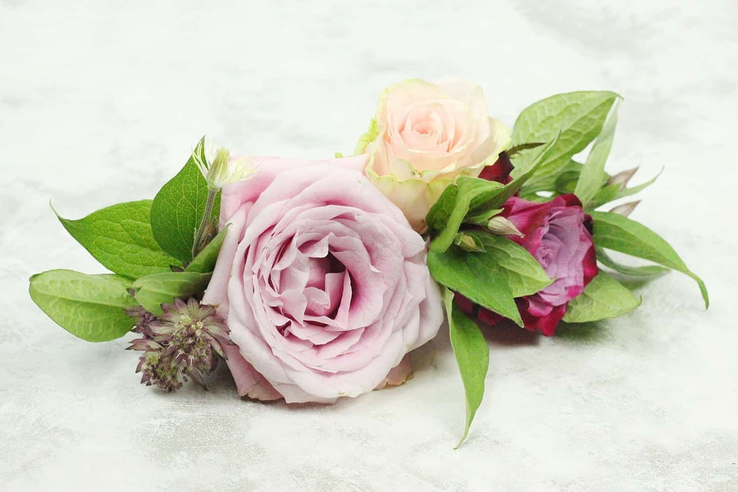 The A - Z Guide to boutonnieres, DIY Boutonniere, HOW TO PIN ON A BOUTONNIERE,